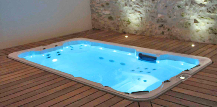 Spa la nage contre courant for Prix piscine spa